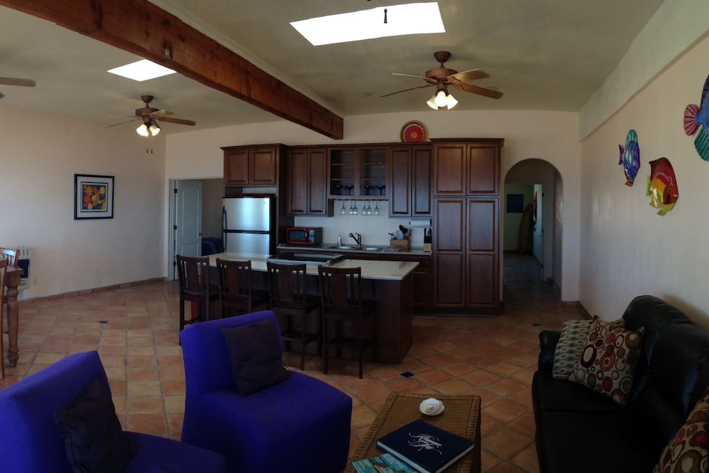 Large open front room with full kitchen