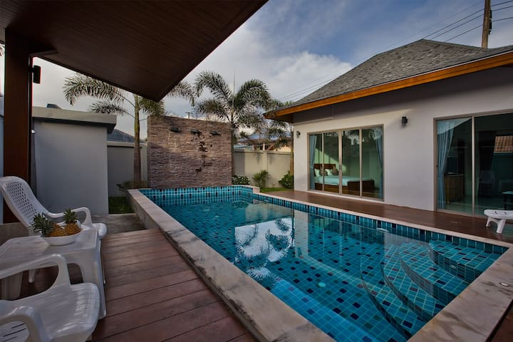 Holiday 2 bdr villa with private pool