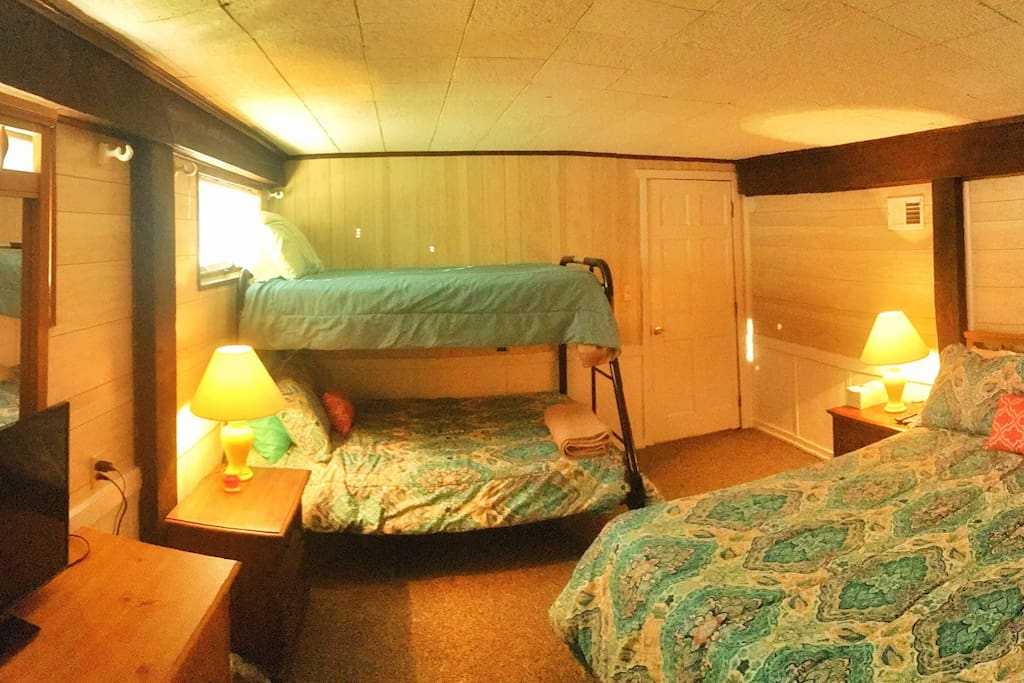 Queen and Twin over Full bunk. Linens and towels included.