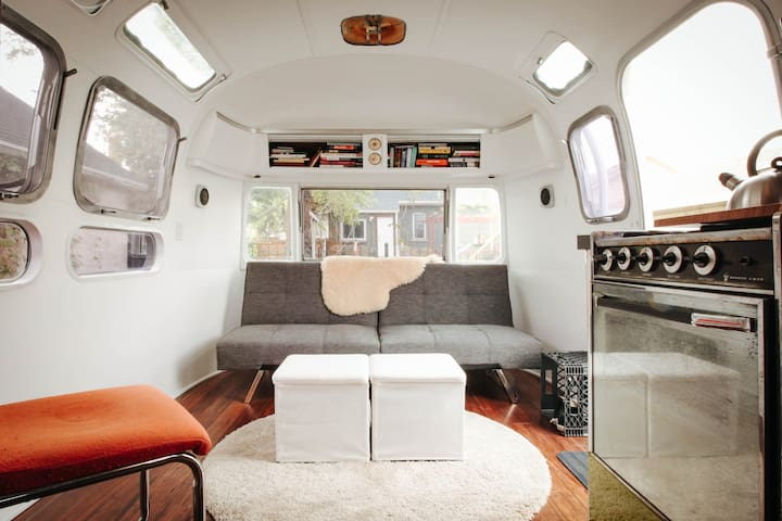 Restored Modern Airstream - Salt Lake City - Camper/Roulotte