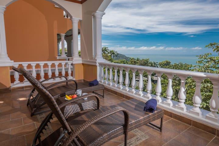 Condo Paraiso 2 Bedroom Luxury Villa