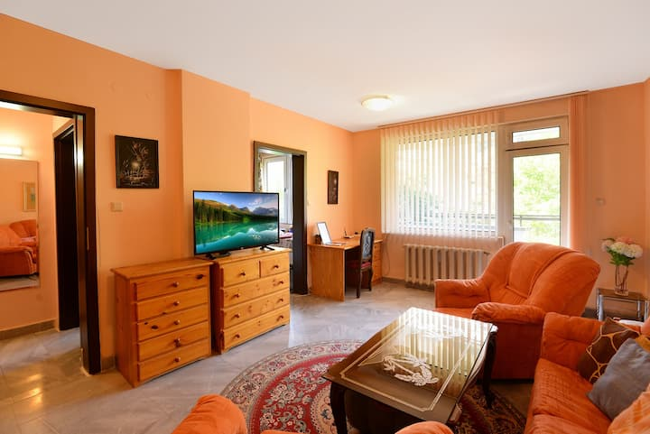 Beautiful location near center, cosy apartment