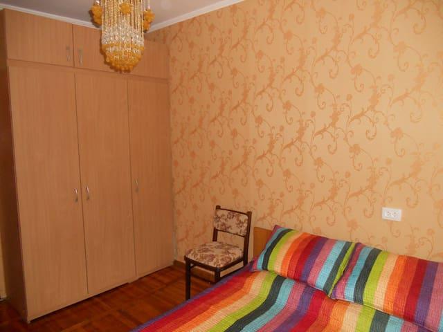 Бердянск центр,  квартира под ключ - Бердянск - Apartamento