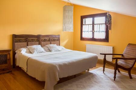 Bonita habitación.  Piscina. Jardín - Castro Urdiales