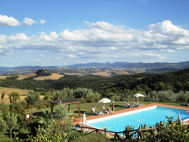 Tuscany charme! Amazing great view!