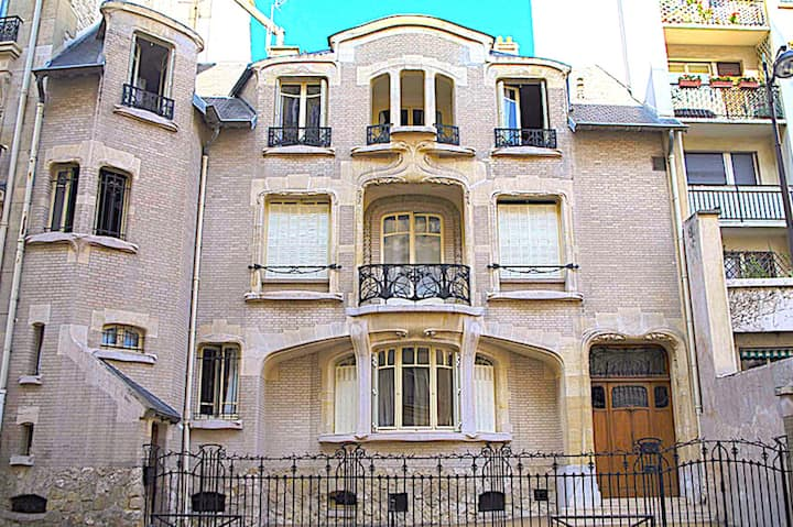 Another masterpiece by Hector Guimard