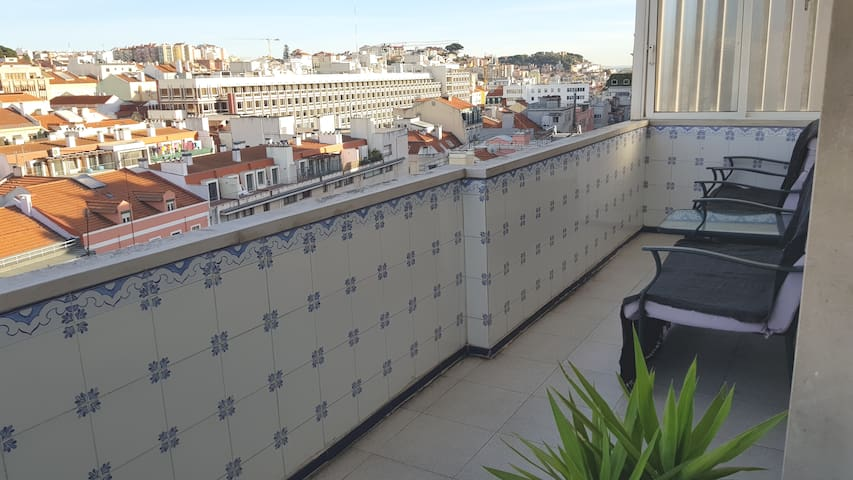 Lovely flat near old Lisbon`s center Amazing View.