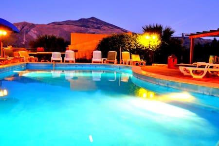 HotelGrotticelli tanto mare e verde - Castellammare del Golfo