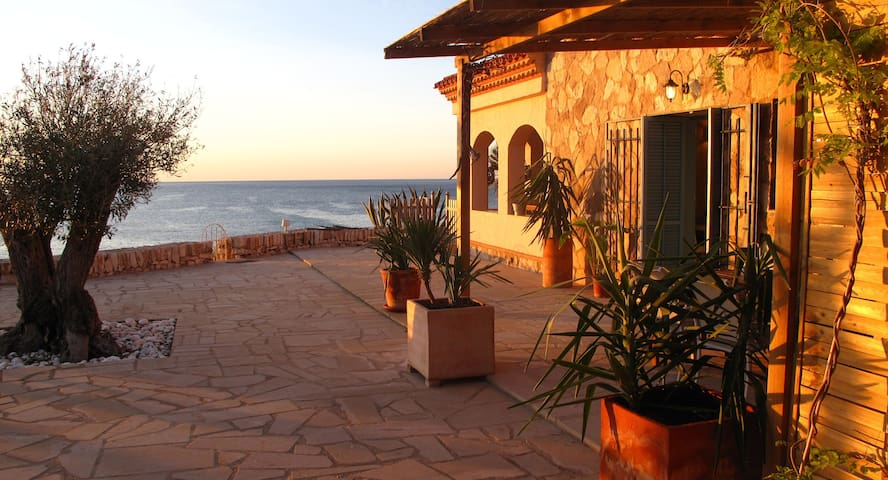 Apartment over the sea (Llevant)