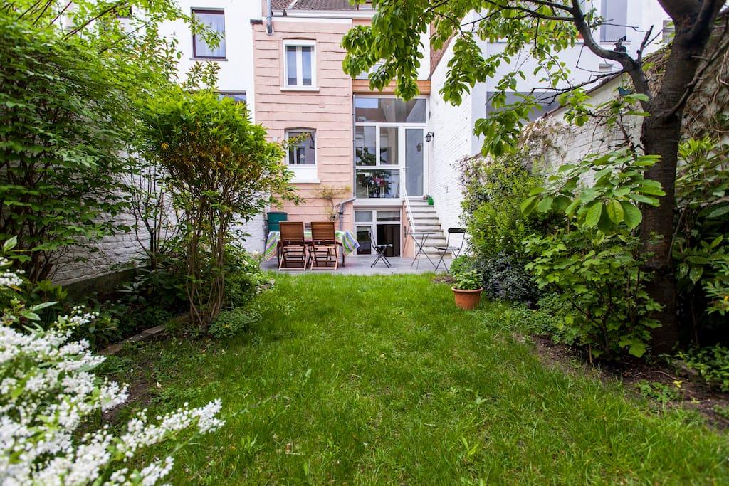 Studio 35m2 avec jardin st gilles maisons louer for Jardin 35m2