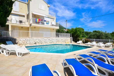 Luxury 4* Family Pool Apartment Gabiana - Cavtat - Apartamento