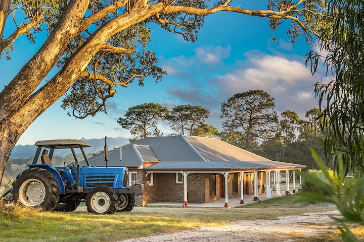 Abode Tenterfield-Comfy Family Home on Acreage