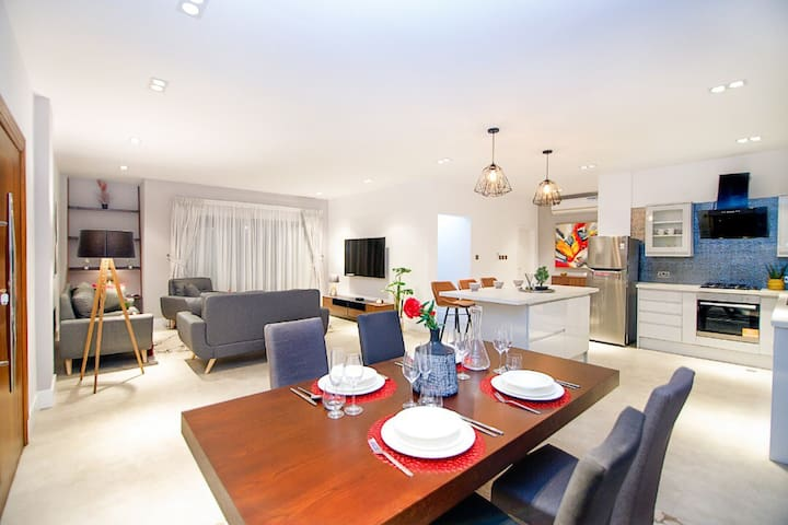 Beautifully furnished 2 bedroom in prime area