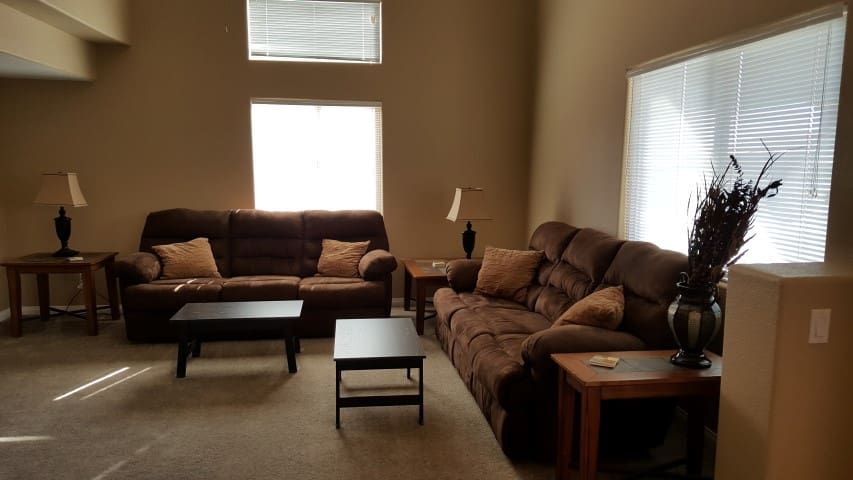 *NO GUEST SERVICE FEE* 3 Bedroom condo in Mesquite #450
