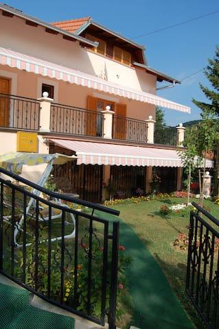 Beau 4 pièces tout confort - Gornja Stubica - House