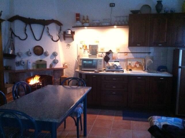 Studio flat with garden in Maremma - Catabbio - House