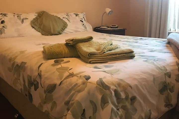 Hamer House Downstairs Apartment (1 Bed Option)