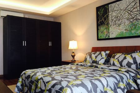 A New Home with an Ethnic Touch - South Jakarta - Leilighet