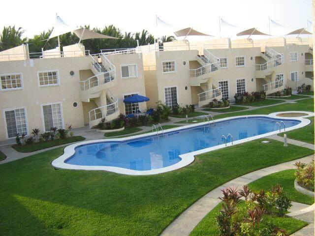 PUNTA DIAMANTE, FRENTE A LA PLAYA, DEPA COMPLETO - Acapulco - Apartment