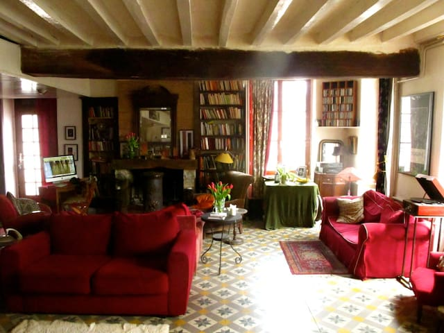 Chambres d'art - Treigny - Penzion (B&B)