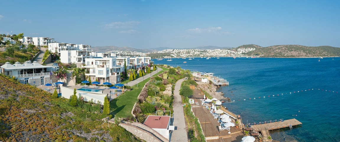 BD218-Bitez 3 Bed Aparts at Seafront - Bodrum - Apartment