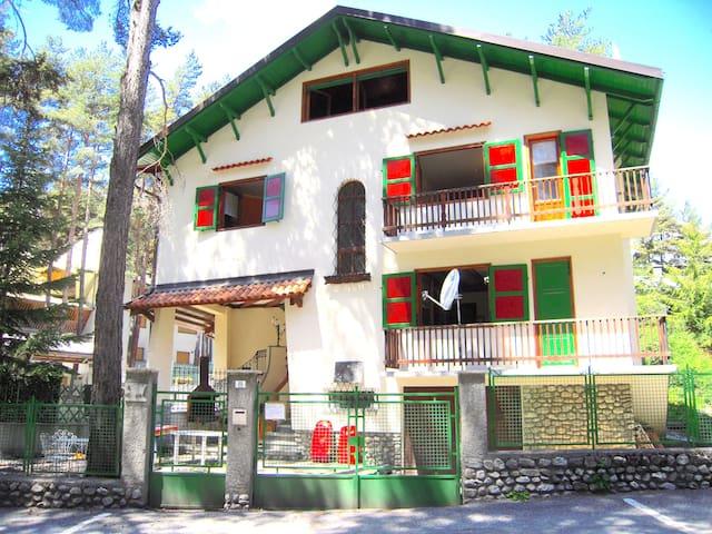 Casa semi indipendente con giardino a Bardonecchia - Bardonecchia - House