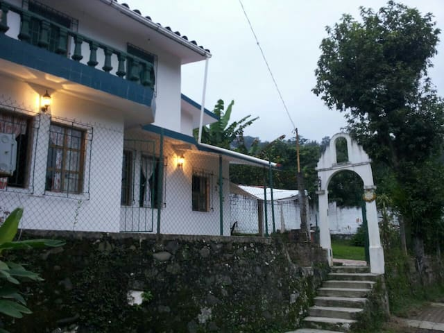 Casa centrica en Coatepec Veracruz - Coatepec, Veracruz, MX - Huis