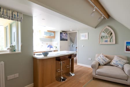 Fabulous little flat in Lyme Regis