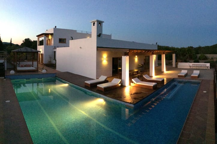Luxury Country Villa w/Pool & private bathroom Rm4 - Ibiza - Bed & Breakfast