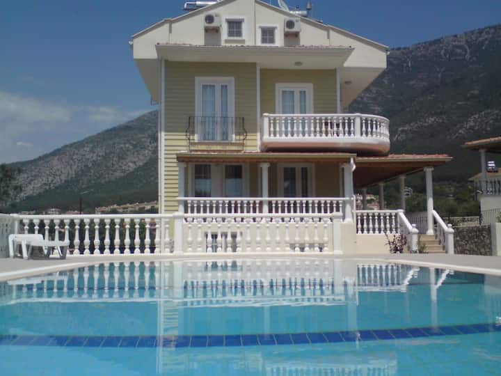 Luxury 2 BEDROOMS Apartment in OLUDENIZ