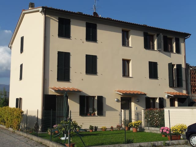 Casa Vacanze Capannori Lucca - คาปันโนริ - อพาร์ทเมนท์