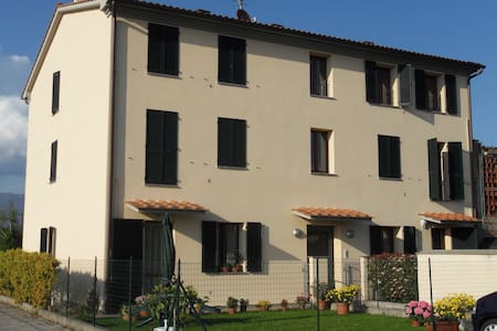 Casa Vacanze Capannori Lucca - Capannori - Apartmen