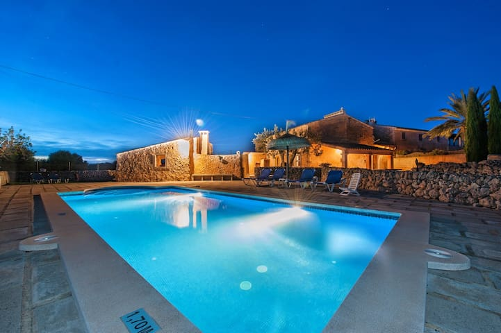 Quiet country villa in with private pool - Balearic Islands - Hus