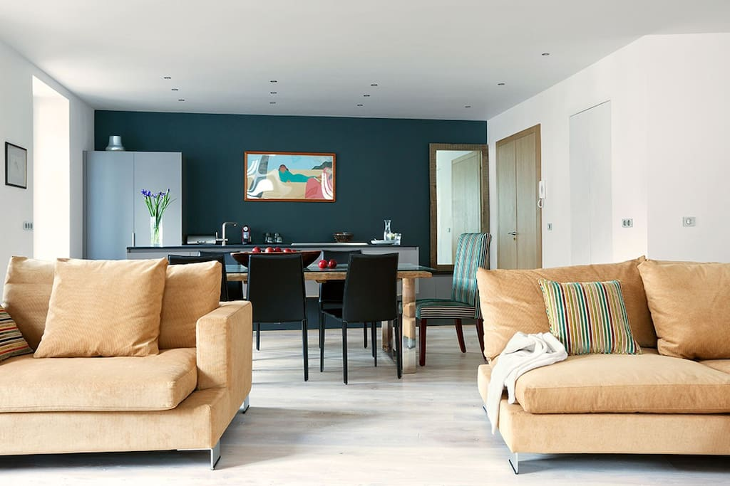 Elegant Designer Kitchen fully equipped  from netspresso to Vitamix juicer