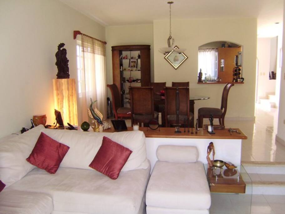 Nicely furnished living and dinning room