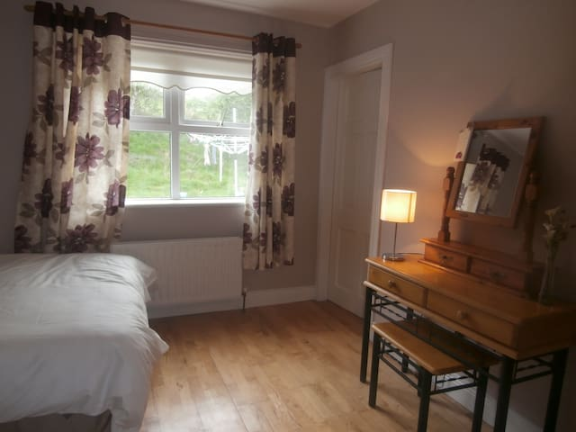 Near Glenveagh Castle, 2 double bed