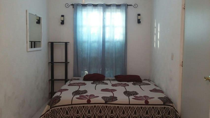 Rento bonita habitación para viajeros