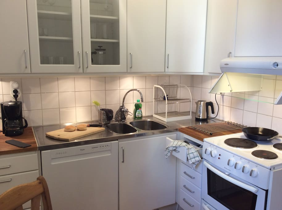 Fully equipped Kitchen with Dishwasher,Coffemaker,Waterboiler,Stove with oven.