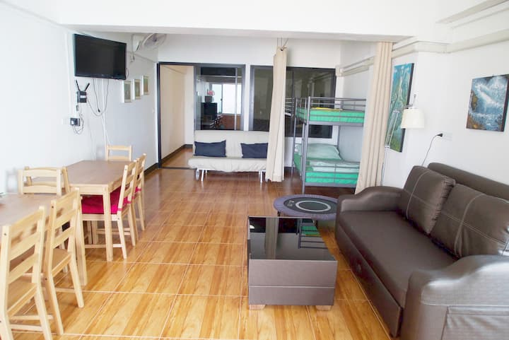 SKB Apartment with Gym and wifi in Hua Mak