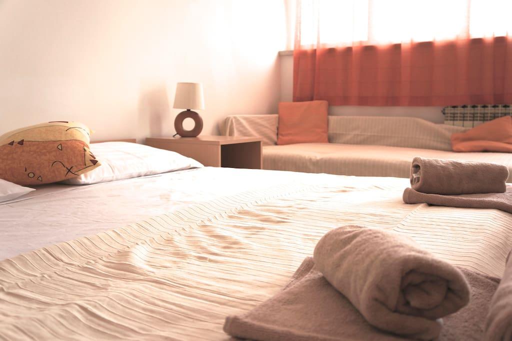 Room 1 (Orange Room)