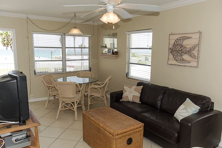Casa Cay Unit 2 Beach View Efficiency - sleeps 6
