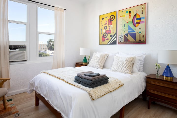 Newly Renovated Charming Studio! Minutes to DTLA!