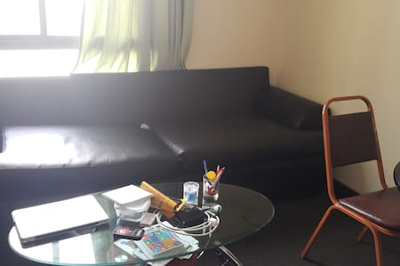 Shared 1 BHK fully furnished - Lakás