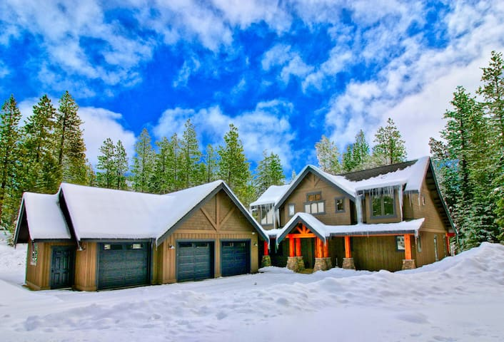 Rose' All Day-Private Suncadia Retreat! Summer Pool Access * Fun Game Room * New Hot Tub