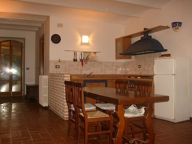 Appartamento in casa colonica - Lapedona - Apartment