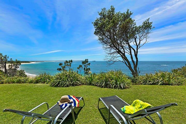 Stunning Ocean Views - Noraville - Casa