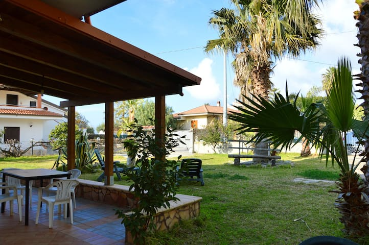 Villa with garden at few minutes from the beach - Tonicello - Wohnung