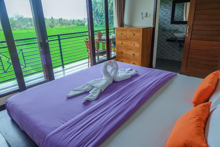 Putra Homestay 1 with rice fields view & AC