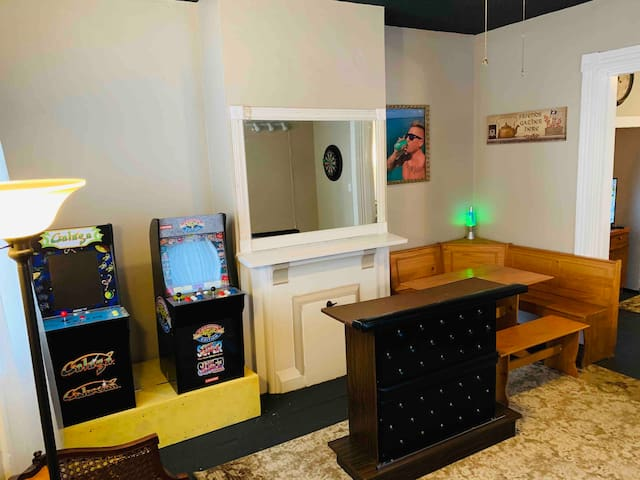 SPACIOUS HOME WITH EXCITING GAME ROOM!!