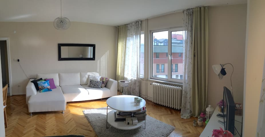 Cosy and Safe Apartment in a Central Neighbourhood - Byt